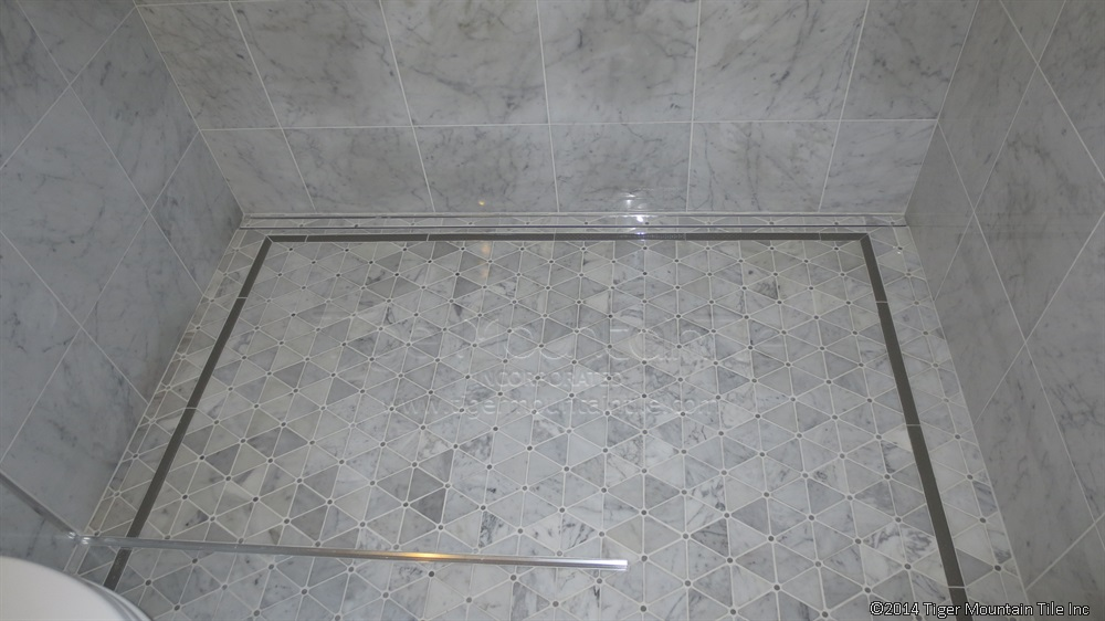 Dal triangle mosaic shower pan