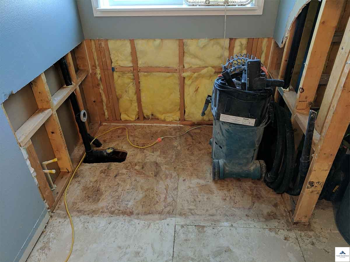 Snoqualmie bathroom remodel in progress 01