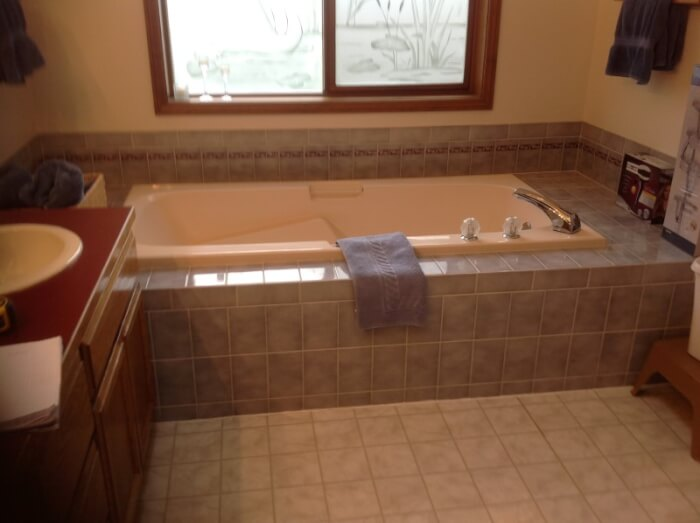 Old Sammamish Bathroom tile before
